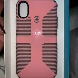 iPhone x/xs speck grip case pink and gray